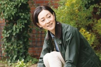 アラフィフ断トツの素肌美人! 雅子さんの透明感を保つもの-②