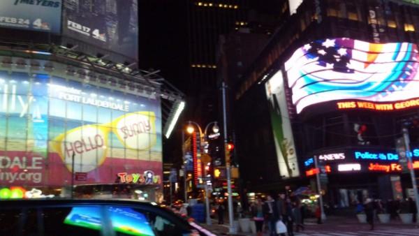 ニューヨーク タイムズスクエアの街並