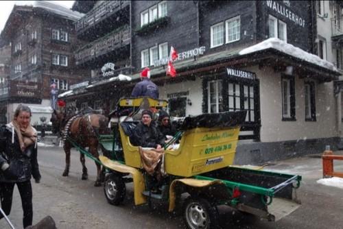 山岳観光の拠点ツェルマット 街並み