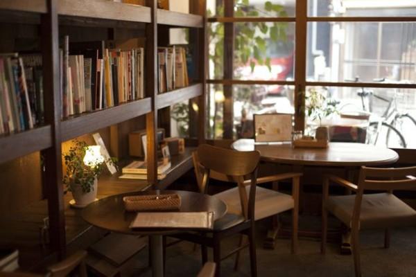 飲食店経験ゼロの私が、突然カフェを!?