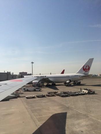 おでかけ女史 JAL 飛行機