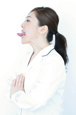 舌を思い切り出すエクササイズ