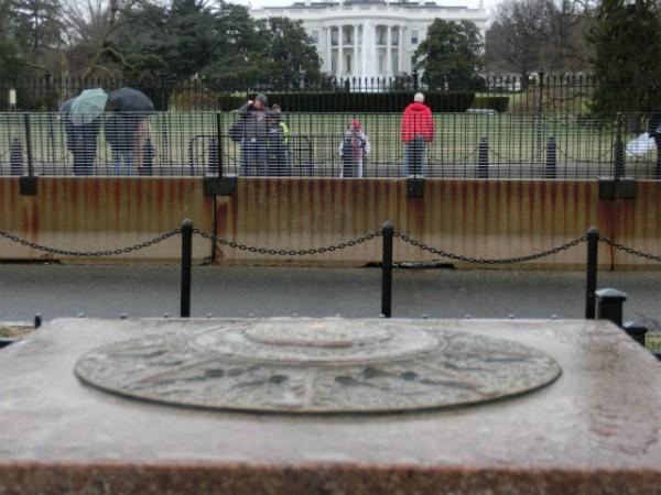 ホワイトハウス ゼロマイルストーン
