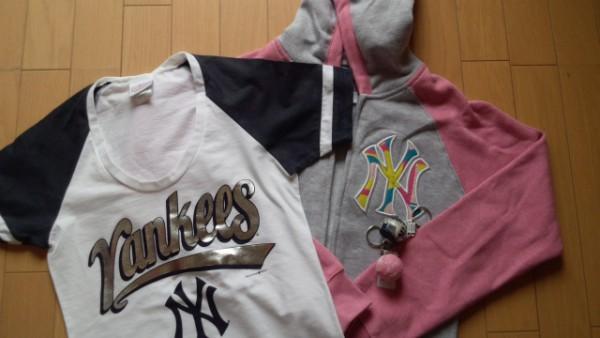 ヤンキーズ Tシャツとパーカー
