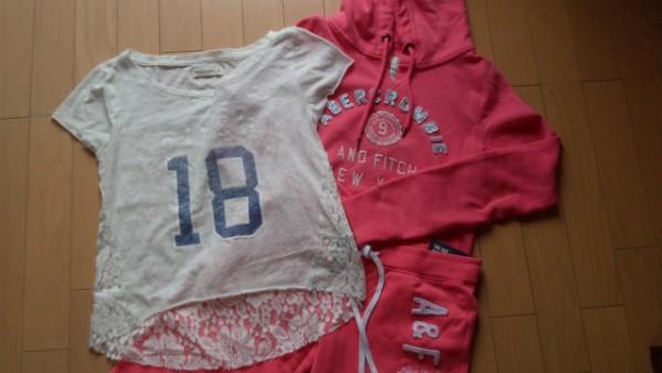アバクロンビー&フィッチ Tシャツとスウェット