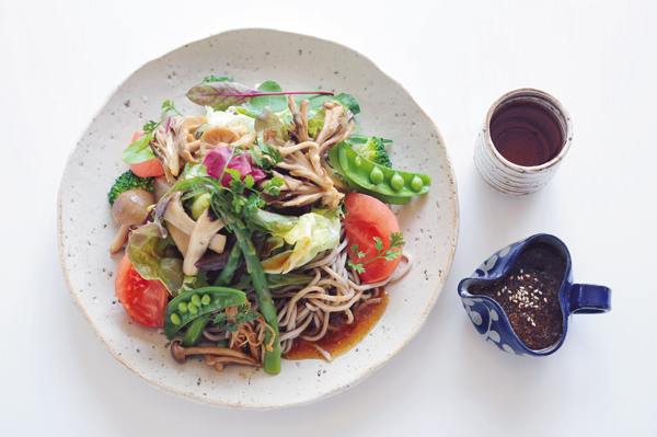 発酵パワー1週間:木曜昼食 野菜たっぷりコチュジャン・ジュレそば