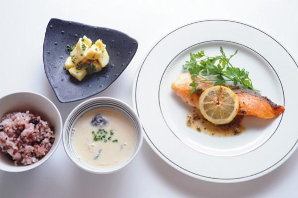 発酵パワー1週間:火曜夕食 アンチョビや味噌、和洋を自在に