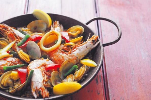 簡単おいしい「抗糖化メニュー」:具だくさんご飯②発芽玄米の魚介パエリア
