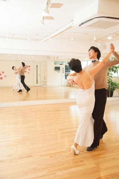 「音楽に合わせて筋肉を動かすと、小脳の運動野が刺激されます。ダンスはイメージを顕在意識につなげ、直感力を鍛えるにはうってつけ。ほかに楽器の演奏などもいいですよ」