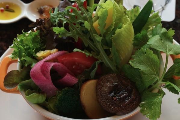 箱根・芦ノ湖の絶景を眺めて野菜たっぷりのポトフ