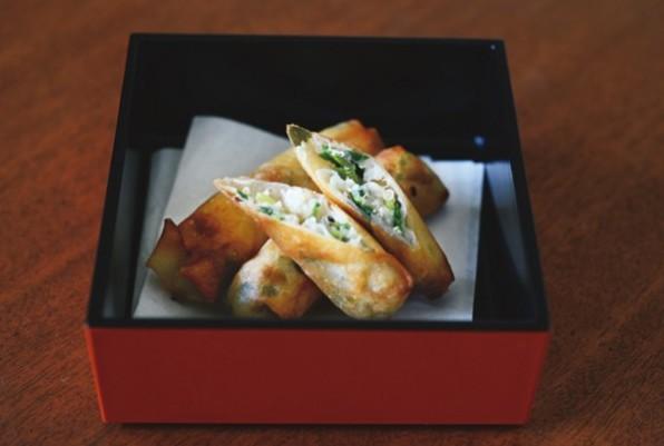 山田玲子さんのおしゃれなスーパーフードレシピ③キヌアと豆苗のミニ春巻き