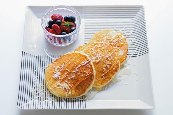 スーパーフードでNYテイストの朝ごはん①ココナッツパンケーキ