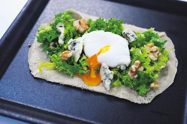 花野敬子さんのおしゃれなスーパーフードレシピ③そば粉のクレープ