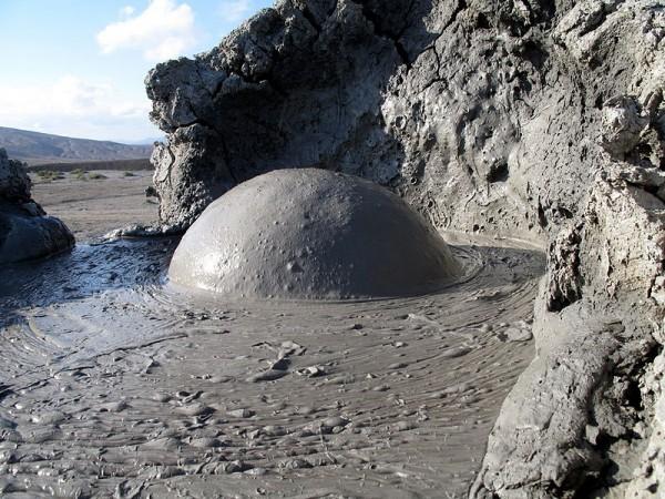 泥健康法のコブスタン国立保護区
