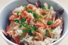 タカコ ナカムラさん提案の賢い調理法で作る「桜エビの炊き込みご飯」