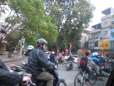 井原さん ベトナム バイク