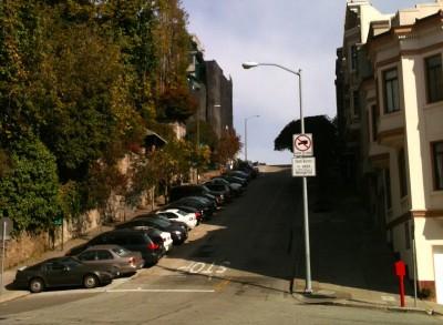 井原さん サンフランシスコ坂に駐車