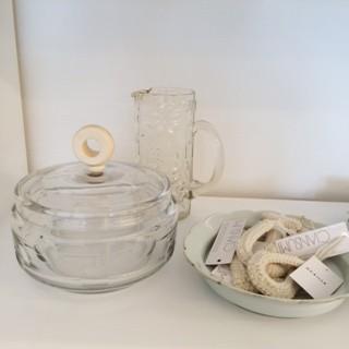 オカイユ ニット小物とヴィンテージのガラス器