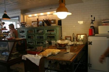 カフェな日々 オープンキッチン1