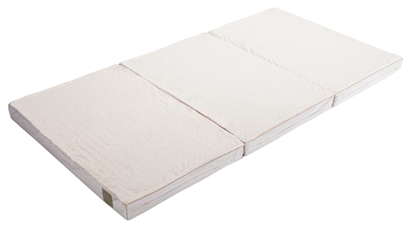 マットレスは抗菌防臭、防ダニ、ニット素材の表地にはデオドラント加工、消臭加工を実施。通気性がよく、通常のお手入れは部屋に立てかけておくだけで十分です。マットレスの硬さは2種類から選択。(レギュラータイプ)シングル¥90,000、セミダブル¥110,000、ダブル¥130,000 (ハードタイプ)シングル¥100,000、セミダブル¥120,000、ダブル¥140,000/東京西川