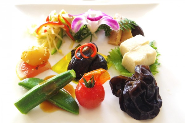 美食同源を楽しむ神戸グルメの旅へ