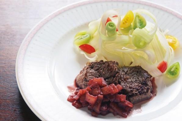 積極的に取り入れたい「赤身肉レシピ」【牛肉のパイナップル漬けステーキ】