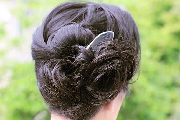 後ろからも見られている髪。ヘアスタイルをもっと素敵に楽しむ方法