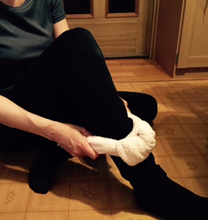 足のむくみをスッキリほぐし法3