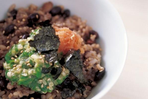 主食で繊維をたっぷりと⑦五穀ご飯のひすいとろろのせ