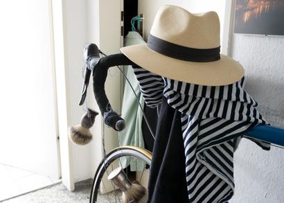 帽子と自転車