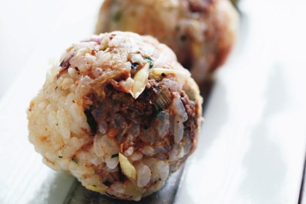 手軽でおしゃれな「健脳」魚介料理/⑦山田玲子さんの「サンマ混ぜおにぎり」