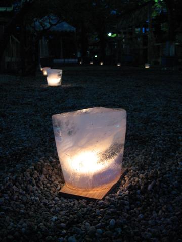 吉田なら氷献灯