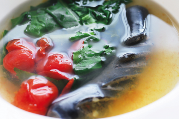 手軽でおしゃれな「健脳」魚介料理/⑤ 山田玲子さんの「イカの旨味たっぷりの野菜スープ」