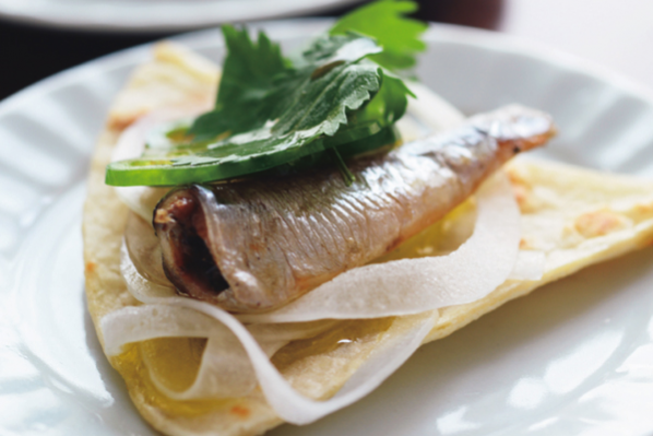 手軽でおしゃれな「健脳」魚介料理/⑧山田玲子さんの「オイルサーディンのせトルティーヤ」