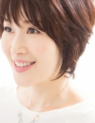 夏ベースメイク小林ひろ美さん 45度