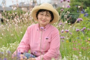 ミツバチの不思議な力に魅かれて 2/ 人生の第4ステージはテーマをもって乗り切る―飯田典子さんのハニーな日々