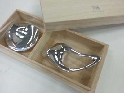 (左)コリネット¥3000・(右)コリネット リンプ¥5000/NAGAE+(ナガエプリュス)