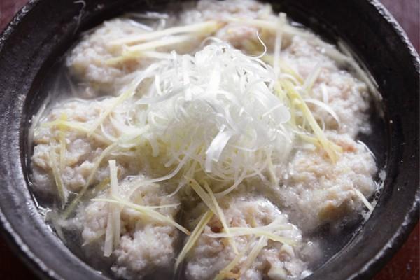 定番シンプル鍋を、温め食材でパワーアップ③つくねジンジャー鍋