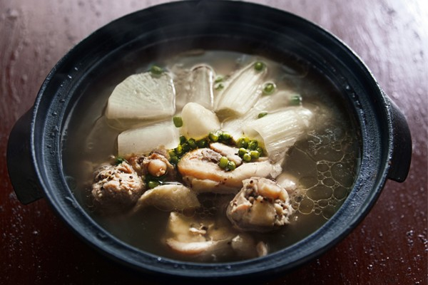 血流を改善する成分で、冷えを根本から撃退!⑤鶏と緑豆のサムゲタン風