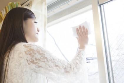 リビングの窓拭きで人づきあいがスムーズに/林 秀靜さんの「おそうじ風水」