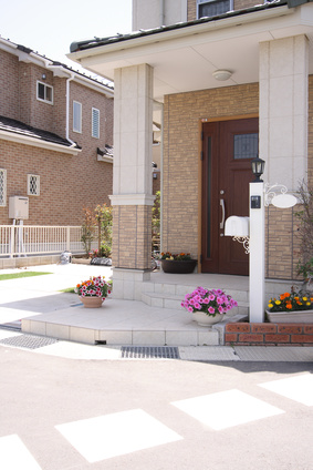 戸建て住宅の玄関アプローチ 外観 ヨーロッピアン調 アンテーク風