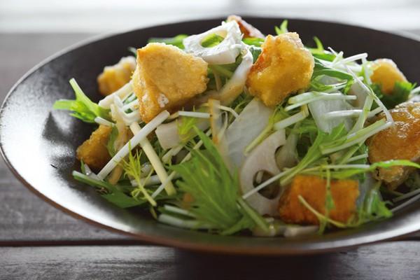 庄司いずみさんの「ごちそう美腸サラダ」/高野豆腐と根菜を使ったボリュームサラダ