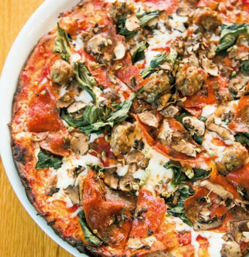 グルテンフリー カリフォルニア ピザ キッチン