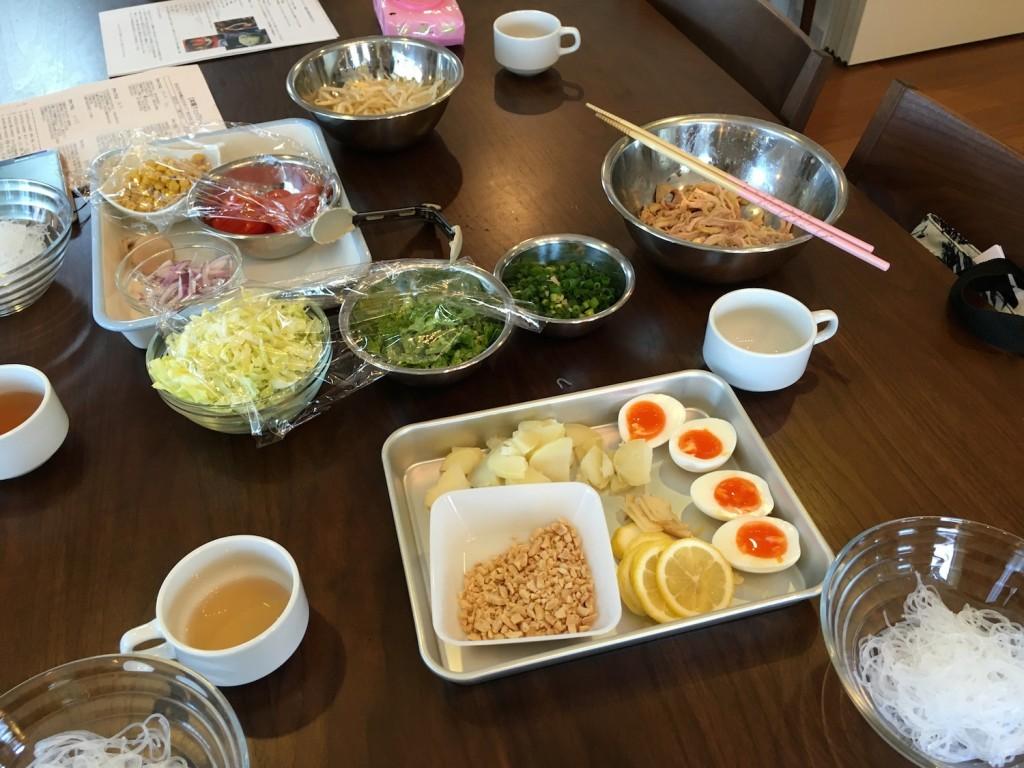 薬膳スープ「ソトアヤム」食材