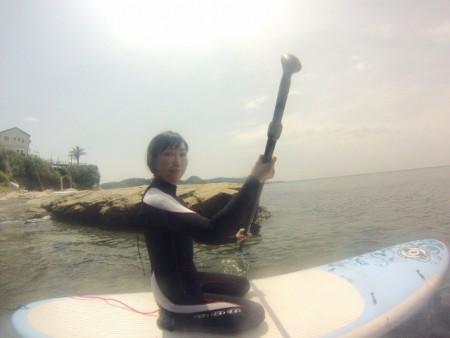 井原さん パドルで漕ぐ
