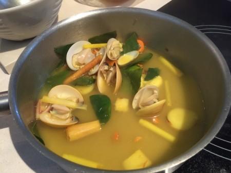 井原さん 薬膳スープ