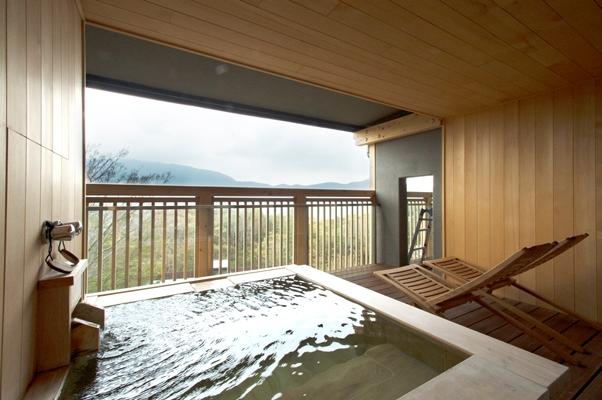 ... 宿「箱根 円かの杜」   OurAge