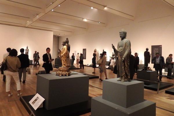 仏像好きの聖地 びわ湖長浜の仏様が東京にやってきた