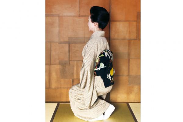 羽田美智子さんも納得。「着物暮らしに習う 美しい姿勢と所作」③立ち居振る舞いに意識すること