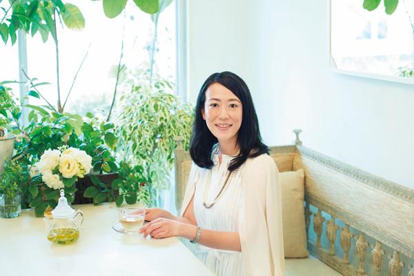 私たち「漢方」で体調が上向きに③ビューティディレクター・新井ミホさんの漢方薬使い分け<前編>